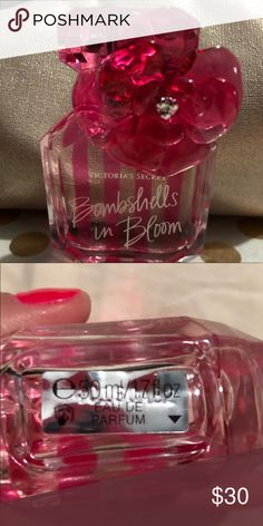 Victoria Secret Bombshells in Bloom Perfume New, it has been opened and smelled once never actually sprayed the bottled, it's a full size. Make me an offer and it's yours. No box will be included. It was damaged in shipping. Victoria's Secret Makeup
