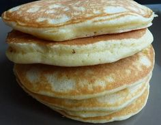 Ingredients cup milk 2 tablespoons white vinegar 1 cup all-purpose flour 2 tablespoons white sugar . Healthy Recipes, Sweet Recipes, American Pancakes, Brunch, Crepe Cake, Cupcakes, Cake Cookies, Fluffy Pancakes, Dessert Recipes