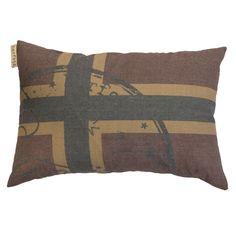 Flag Pillow Vintage fra Barfota. Bestill den hos oss: https://www.krogh-design.no/interior/puter/