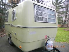 VINTAGE 1975 13' FIBERGLASS TRILLIUM RV travel TRAILER