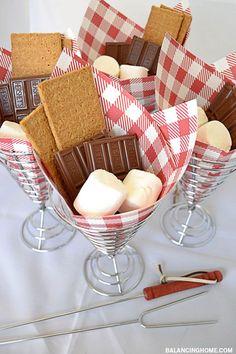 What a fun way to serve summer& must-have dessert--S& - - Summer Fun! What a fun way to serve summer& must-have dessert–S& Summer Fun! What a fun way to serve summer& must-have dessert–S& Fourth Of July Food, 4th Of July Celebration, 4th Of July Party, July 4th Wedding, 4th Of July Ideas, Summer Parties, Holiday Parties, Summer Fun, Tea Parties