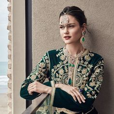 Moroccan caftan with embroidery Style Oriental, Oriental Fashion, Indian Fashion, Hijab Fashion, Fashion Dresses, Women's Fashion, Fashion Design, Stylish Hijab, Arabic Dress