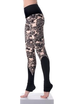 Size:One/Size Hips:85cm`-95cm` ************************************************ Color: Black and White