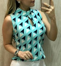 Blouse Styles, Blouse Designs, Western Dresses For Women, Look Fashion, Fashion Design, Blouse Dress, Indian Designer Wear, Mode Style, African Fashion