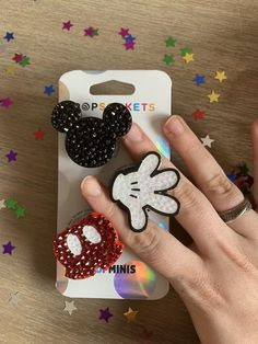 Diy Resin Projects, Diy Resin Crafts, Diy And Crafts, 3d Iphone Cases, Iphone Cases Disney, Disney Pop, Disney Stuff, Cute Popsockets, Pop Sockets Iphone