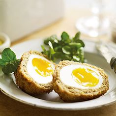 Delicious and Paleo friendly! These Scotch Eggs are basically sausage patties with eggs in the middle. This is a great way to get a big protein snack!  [...]Read More