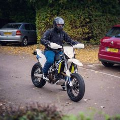 Picture of me on the #HusqaWeema courtesy of @dariusvimages It's only about 20 miles old at this point Check out his FB page for more assorted bike pics http://facebook.com/dariusvimages #iif #Husqvarna #HusqaWeema #701 #701supermoto #SevenWhoreOne #TippyToes #UGHThatBlueAndYellow