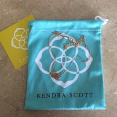 Kendra Scott necklace worn once rose gold stone, perfect condition Kendra Scott Jewelry Necklaces