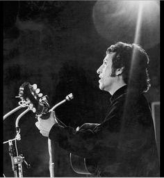Victor Jara Victor Jara, Voice Singer, Easy Listening, Folk Music, The Voice, Writer, Black And White, American, Concert