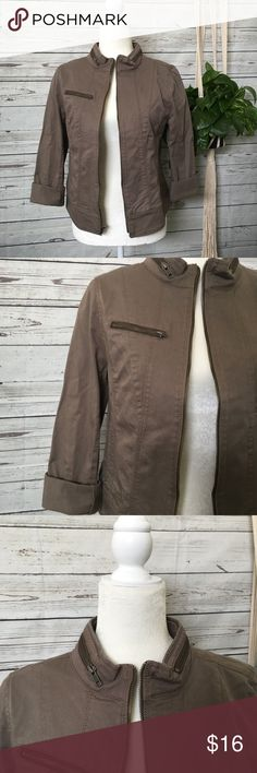 Express Fitted Jacket Bust laying flat: 16 inches  Length laying flat: 22 inches   Excellent used condition- no rips, stains or flaws   Let me know if you have any questions & happy shopping!   (SKU#D119) Express Jackets & Coats Utility Jackets
