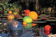 Next May, to Dallas Arboretum! I can not miss a Dale Chihuly exhibition! His glass sculptures are amazing!