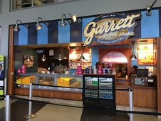 Where to Eat at O'Hare International Airport (ORD), Summer 2018 - Eater Chicago Chicago Hotels, Chicago Shopping, Chicago Restaurants, Food Places, Best Places To Eat, Great American Bagel, Ohare Airport, Chicago Airport