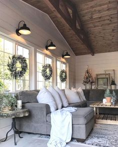 Farmhouse living room design and decoration ideas are almost universal . Farmhouse living room design and decoration ideas are almost universally appealing. Modern Farmhouse Living Room Decor, French Country Living Room, Farmhouse Decor, Farmhouse Style, Country Decor, Farmhouse Ideas, Farmhouse Design, Rustic Decor, Country Kitchen