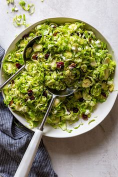 This Shaved Brussels Sprouts Salad with cranberries and goat cheese is fresh, crisp, and tangy with a hint of sweetness. This is a wonderful fall and winter salad, special enough for a holiday dinner, but easy enough for a regular weeknight side salad. Sprouts Salad, Brussel Sprout Salad, Brussels Sprouts, Sprouts Recipe, Baked Greek Chicken, Oven Baked Chicken Parmesan, Basil Chicken, Winter Salad, Fall Salad