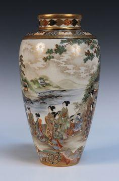 A Japanese Satsuma earthenware vase by Ryozan for the Yasuda Company Japanese Vase, Japanese Porcelain, Japanese Pottery, Japanese Ceramics, Vintage Vases, Vintage Pottery, Pottery Art, Antique Vases, Fine Porcelain
