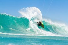 Roderick Pijls, professional kitesurfer, dreams of travelling to Alaska and of snowboarding in Patagonia. Get to know this kitesurfing world traveller. In Patagonia, Alaska Travel, Kitesurfing, Snowboarding, Athlete, Waves, Adventure, World, Outdoor