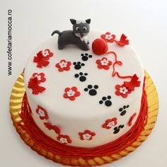 Playful cat cake with red flowers for kids Mocca, Red Flowers, Birthday Cakes, Cat, Sweet, Desserts, Kids, Food, Candy