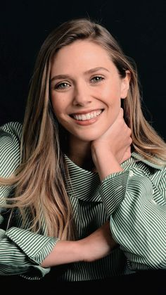 Elizabeth Olsen Elizabeth Chase Olsen, Elizabeth Olsen Scarlet Witch, Beautiful Smile, Most Beautiful Women, Olsen Sister, Marvel Women, Portraits, Attractive People, Celebrity Crush