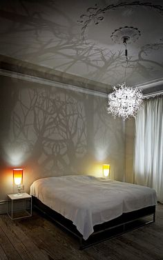 A light sculpture that turns the room into a tangle of branches and trees. The lamp is made by using a special technique and the lamp can be manufactured in various sizes as necessary. - A light sculpture that turns the room into a.