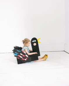 cardboard box bird costume | @mer_mag for Zara #boxeswithapast