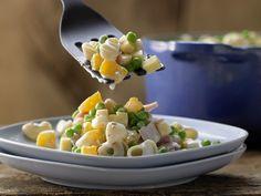 Fruchtiger Nudelsalat - mit Schinken, Käse, Erbsen und Orangen - smarter - Kalorien: 572 Kcal - Zeit: 25 Min.   eatsmarter.de