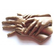 This amazingly easy and fun to do casting kit will allow you to capture up to two adults and two child hands together with hands posed flat. The special moulding agent produces stunning results and captures every detail of the hands. Jewellery can be worn for added sentiment. A great family heirloom or family gift.