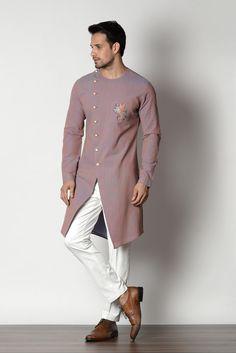 Puneetandnidhi Noida based designer of kurta concepts. Check out our latest collection of Sherwanies, Kurta, Achkan & Nehru Jacket ethnic concepts etc. Men Ethnic Wear India, India Fashion Men, Mens Indian Wear, Indian Groom Wear, Indian Men Fashion, Sherwani For Men Wedding, Wedding Dresses Men Indian, Wedding Dress Men, Gents Kurta Design