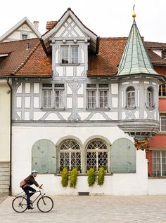 old+windows+in+Switzerland | St Gallen, Switzerland