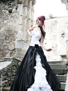 "Wedding dress ""Lou Anne II"" by DEVA LA VIE"