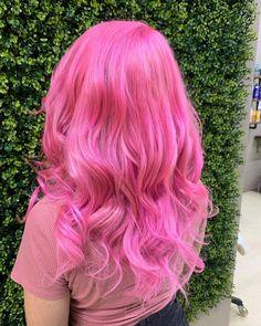 Hair Dye - Good Hair Care Made Easy Through These Simple Tips Bright Pink Hair, Hot Pink Hair, Vibrant Hair Colors, Pink Hair Dye, Hair Color Pink, Dye My Hair, Cool Hair Color, Bright Colored Hair, Ombre Hair