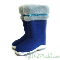 Women's blue woolen winter boots with rubber sole and fur
