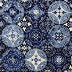 Robert Kaufman fabric with blue flower ornament silver fabric Tile Patterns, Pattern Art, Textures Patterns, Fabric Patterns, Pattern Design, Print Patterns, Bleu Indigo, Silver Fabric, Blue Fabric