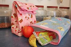 Make your own insulated fabric lunch bag - so easy and so cute! www.fiskars.com