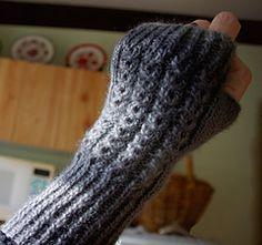 1glove_small Cable Knitting Patterns, Free Knitting, Work Flats, Fingerless Mitts, Mittens Pattern, Crochet Stitches, Arm Warmers, Ravelry, Freezer Jam