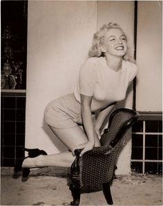 Marilyn Monroe Rare Black and White Cheesecake Photograph, Circa 1949