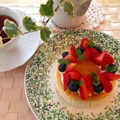 Souffle Cheesecake with fresh berries