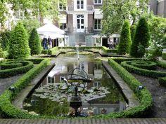 Canal garden, Amsterdam