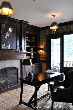 An office is the perfect setting for a tartan plaid.This office is a masculine classic with wood tones, plaid and leather. Plaid Wallpaper, Office Wallpaper, Masculine Interior, Masculine Office, Plaid And Leather, French Country Living Room, Interior Decorating, Interior Design, Decorating Ideas