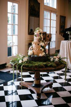 Whimsical Enchanted Forest Wedding Cake / http://www.himisspuff.com/woodland-moss-wedding-ideas/4/