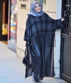 Abaya Fashion, Women's Fashion Dresses, Skirt Fashion, Casual Hijab Outfit, Hijab Chic, Turkish Hijab Style, Simple Hijab, Modele Hijab, Hijab Trends