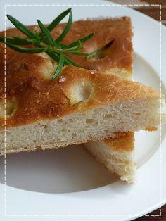 Kouzlo mého domova: Rozmarýnová focaccia Sandwiches, Bread, Baking, Czech Republic, Food, Brot, Bakken, Essen, Meals