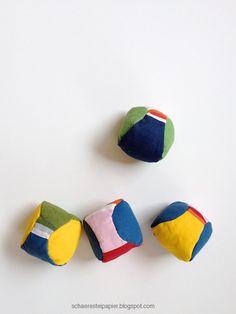 schaeresteipapier: Spielbälle - selbst gemacht Softies, Textiles, Christmas Colors, Coin Purse, Diy Crafts, Toys, November, Ann, Craft Ideas