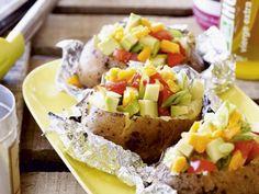 Gepofte zoete aardappel met bacon - Libelle Lekker