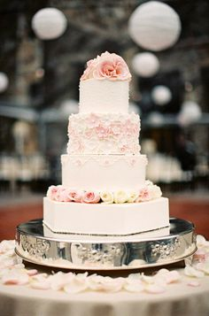 The prettiest pink wedding cake