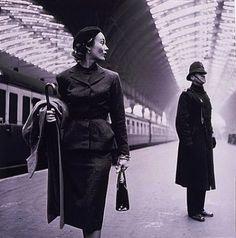 Victoria Station, London, 1951. photo Toni Frissell