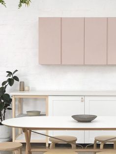 cuisine rose Ikea Ivar cabinets - Home Decor Deco Rose, Elegant Kitchens, Scandinavian Kitchen, Minimalist Kitchen, Minimalist Living, Modern Living, Cuisines Design, Interior Design Kitchen, Kitchen Designs