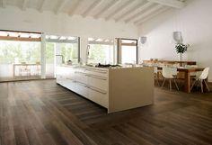sillas eames + Baldosa de suelo de gres porcelánico: imitación madera LIFE : MORO CERAMICHE CAESAR