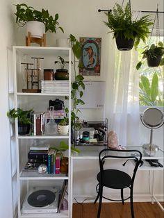 Indie Room Decor, Aesthetic Room Decor, Aesthetic Bedrooms, Indie Bedroom, Room Ideas Bedroom, Bedroom Decor, Bedroom Inspo, Men Bedroom, Study Room Decor