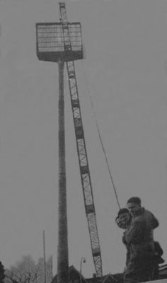 De lichtmasten van PSV. Eindhoven, Brewery, Utility Pole, Building, Travel, Beautiful, Game, Historia, Venison