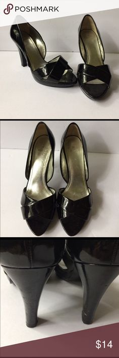 "Zara peep toe patent block heels pumps Beautiful shoes.  Heel height 4"" Zara Shoes Heels"